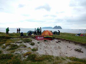 Šešta ir septinta dienos – Værøy sala. Įsikuriame paplūdimyje.