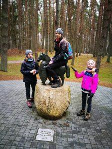 Skulptūrų parke radome arklių. Ir visi juos išbandėme