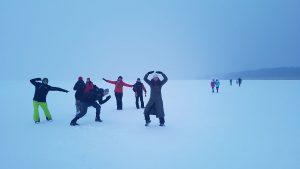 Šėliojimai ant užšalusio Kuršmarių ledo