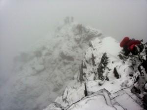 Rysy viršūnėje sutikom žiemą, kuri nusileidimą nuo kalno pavertė dar ekstremalesne pramoga