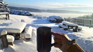 """""""arbata, iš termoso įpilta į puodelį, vėsdavo neįtikėtinu greičiu."""""""
