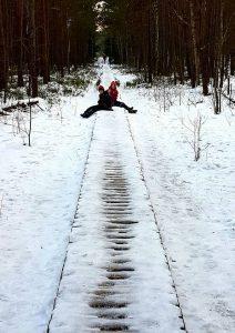 Pelkėje ledu vaikščioti ne taip drąsu kaip ant ežero…