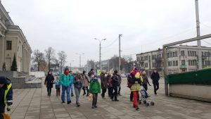 Draugišku būriu pajudame nuo Kauno geležinkelio stoties