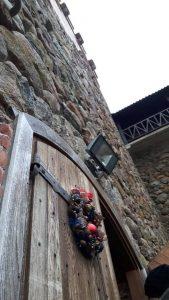 Medininkų pilis gaudo paskutines kalėdiškas akimirkas. O mes žengiame tarp istorinių sienų: sušilti ir pasisemti įdomių žinių.