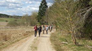 Grįžtame Kapiniškių kaimo keliu :)