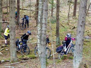 Bekelė dviratininkų nebaugina :)