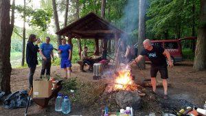 Antrame punkte prie Elniakampio verda karštas gyvenimas :)