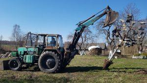 Atvažiavus traktoristui Meškučiui, jau turi stovėti rikiuotėje